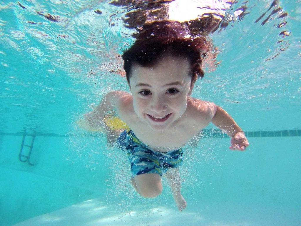 czy można pójść na basen z dzieckiem z katarem