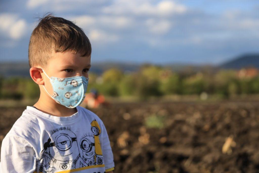 Wpływ smogu na zdrowie dzieci jest znacznie większy niż u dorosłych.