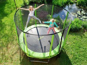 sprawdź co daje skakanie na trampolinie