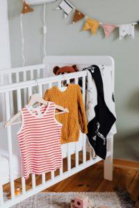 gdzie kupować ubranka dla niemowląt
